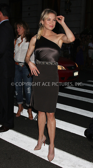WWW.ACEPIXS.COM . . . . .  ....August 18 2009, New York City....Actress Renee Zellweger arriving at the premiere of 'My One And Only' at the Paris Theatre on August 18, 2009 in New York City.....Please byline: AJ Sokalner - ACEPIXS.COM..... *** ***..Ace Pictures, Inc:  ..tel: (212) 243 8787..e-mail: info@acepixs.com..web: http://www.acepixs.com