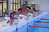 ZWEMMEN: HEERENVEEN: 01-11-2014, SportStad, NK parazwemmen, Estafette, Ling Yum Hiemstra, Sumeia Inad, ©foto Martin de Jong