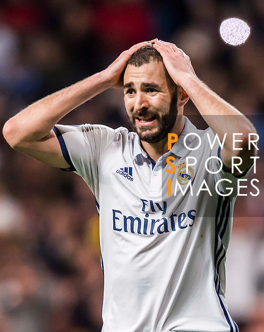 Karim Benzema of Real Madrid celebrates during the 2016-17 UEFA Champions League match between Real Madrid and Borussia Dortmund at the Santiago Bernabeu Stadium on 07 December 2016 in Madrid, Spain. Photo by Diego Gonzalez Souto / Power Sport Images