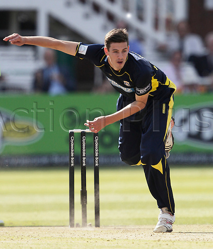 15.09.2012. Lords Cricket Ground, London, England. Chris Wood  in bowling action during the CB40 final game between Hampshire and Warwickshire from Lords.