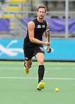 The Hague, Netherlands, June 08: Alex Shaw #19 of New Zealand looks to pass during the field hockey group match (Men - Group B) between the Black Sticks of New Zealand and Germany on June 8, 2014 during the World Cup 2014 at Kyocera Stadium in The Hague, Netherlands.  Final score 3-5 (1-3) (Photo by Dirk Markgraf / www.265-images.com) *** Local caption ***