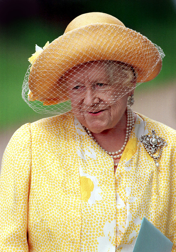 QUEEN ELIZABETH THE QUEEN MOTHERS 97th BIRTHDAY.CHURCH SERVICE AT  THE ROYAL SANDRINGHAM ESTATE, SAINT MARY MAGDALENE'S CHURCH.QUEEN MUM .PIC RUSSELL.3.8.97