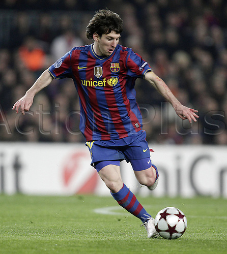 17.03.2010 Champions League, FC Barcelona versus VfB Stuttgart, in the Nou Camp Stadion in Barcelona (Spain). Lionel Messi Barca with the ball.