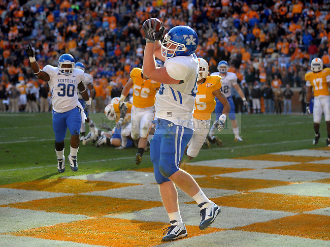 Kentucky Wildcats tight end Tyler Robinson catches a touchdown pass during the second half of the University of Kentucky's game against Tennessee at Neyland Stadium in Knoxville, Tn., on 11/27/10. UK lost the game 24-14. Photo by Mike Weaver | Staff