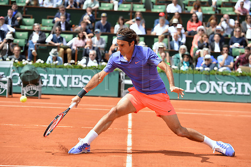 01.06.2015. Roland Garros, Paris, France. Day nine of the 2015 French Open 2015 in Paris, France. Gael Monfils (fra) versus Roger Federer (sui) as Federer won by 6-3 4-6 6-4 6-1 to go through to the quarter finals