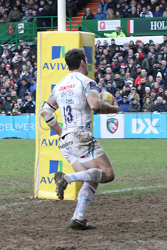 06.03.2016. Welford Road, Leicester, England. Aviva Premiership. Leicester Tigers versus Exeter Chiefs.  Exeter centre Ian Whitten races through the Tigers defence to score a try.