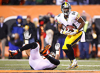 Antonio Brown #84 of the Pittsburgh Steelers in action against the Cincinnati Bengals during the Wild Card playoff game at Paul Brown Stadium on January 9, 2016 in Cincinnati, Ohio. (Photo by Jared Wickerham/DKPittsburghSports)