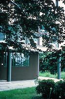Stuttgart: Le Corbusier. Single family house, south side, 1927.