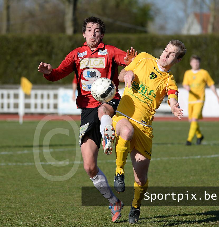KFC Izegem - Standaard Wetteren : duel tussen Dieter Wittesaele (l) en Ewout Denys (r)<br /> foto VDB / BART VANDENBROUCKE