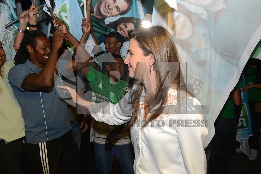 RIO DE JANEIRO, RJ, 02 AGOSTO 2012 - ELECOES 2012 - DEBATE BAND - PREFEITURA DO RIO DE JANEIRO - A vice do candidato Rodrigo Maia Clarissa Garotinho chega para o debate na TV Band na sede da Band Rio em Botafogo no Rio de Janeiro, nesta quinta-feira, 02. (FOTO: MARCELO FONSECA / BRAZIL PHOTO PRESS).
