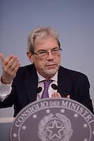 Roma, 6 Novembre 2015<br /> Claudio De Vincenti<br /> Conferenza stampa a Palazzo Chigi al termine del CdM n° 89