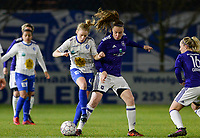 20180126 - OOSTAKKER , BELGIUM : Anderlecht's Tine De Caigny (r) pictured in a duel with Gent's Elena Dhont (left) during the quarter final of Belgian cup 2018 , a womensoccer game between KAA Gent Ladies and RSC Anderlecht , at the PGB stadion in Oostakker , friday 27 th January 2018 . PHOTO SPORTPIX.BE | DAVID CATRY