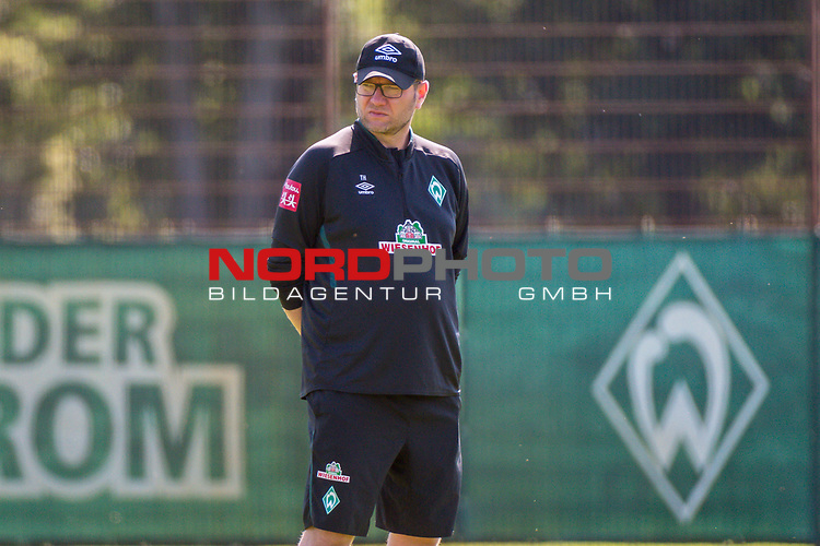24.06.2020, wohninvest Weserstadion Trainingsplatz, Bremen, GER, 1. FBL, Training SV Werder Bremen, <br />