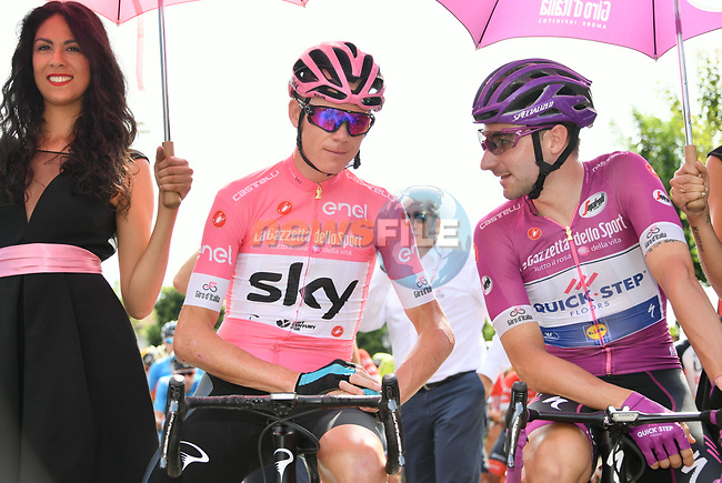 New race leader Chris Froome (GBR) Team Sky wearing the Maglia Rosa and Maglia Ciclamino Elia Viviani (ITA) Quick-Step Floors lined up for the start of Stage 20 of the 2018 Giro d'Italia, running 214km from Susa to Cervinia is the final mountain stage, with the last three climbs of Giro 101 deciding the GC of the Corsa Rosa, Italy. 26th May 2018.<br /> Picture: LaPresse/Gian Mattia D'Alberto | Cyclefile<br /> <br /> <br /> All photos usage must carry mandatory copyright credit (© Cyclefile | LaPresse/Gian Mattia D'Alberto)