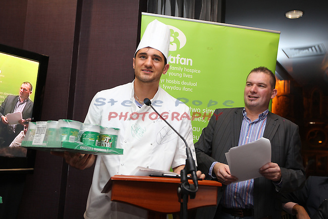 Ty Hafan Celebrity Chef.Nathan Cleverly & Frank Ady.Maldron Hotel.26.09.12.©Steve Pope