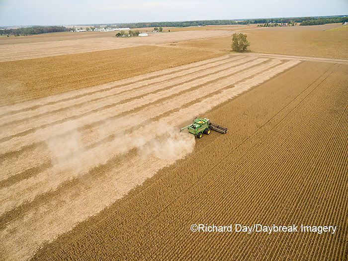 63801-09511 Soybean Harvest, John Deere combine harvesting soybeans - aerial - Marion Co. IL