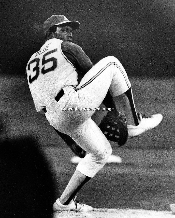 A's pitcher Vida Blue (1971 photo by Ron Riesterer)