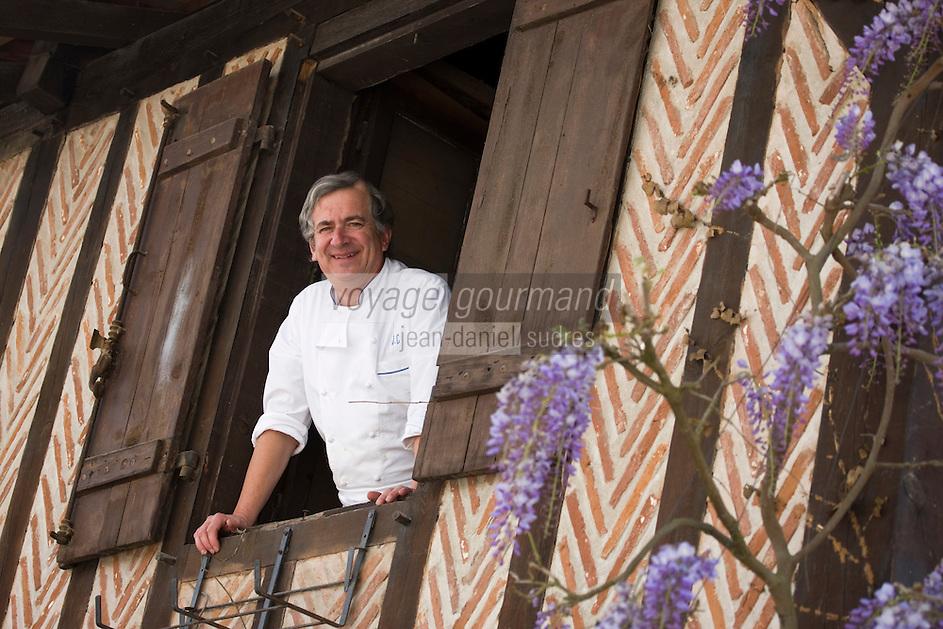 Europe/France/Aquitaine/40/Landes/Magescq: Jean Cousseau chef du restaurant: Le Relais de la Poste [Non destiné à un usage publicitaire - Not intended for an advertising use]
