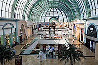 United Arab Emirates, Dubai: Mall of the Emirates, largest shopping mall in the Middle East