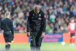02.11.2019, wohninvest WESERSTADION, Bremen, GER, 1.FBL, Werder Bremen vs SC Freiburg<br /> <br /> DFL REGULATIONS PROHIBIT ANY USE OF PHOTOGRAPHS AS IMAGE SEQUENCES AND/OR QUASI-VIDEO.<br /> <br /> im Bild / picture shows<br /> Florian Kohfeldt (Trainer SV Werder Bremen) mit gesenktem Kopf / lässt Kopf hängen, <br /> <br /> Foto © nordphoto / Ewert
