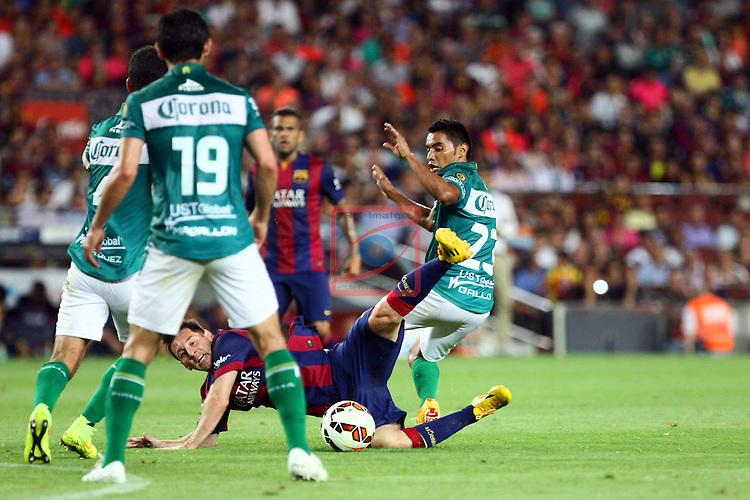49e Trofeu Joan Gamper.<br /> FC Barcelona vs Club Leon FC: 6-0.<br /> Jonny Magallon, Lionel Messi &amp; Jose Juan Vazquez.
