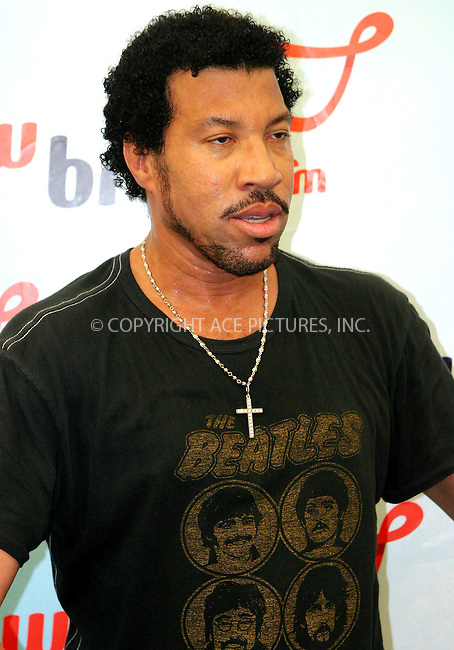 Lionel Richie at Party In The Park, Birmingham -  10/07/04..FAMOUS.PICTURES AND FEATURES AGENCY.tel  +44 (0) 20 7731 9333.FAM13210