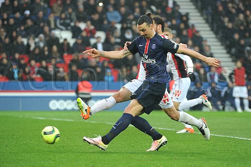 02.04.2016. Paris, France. French League 1 football. Paris St Germain versus Nice.  ZLATAN IBRAHIMOVIC (psg) scores his goal for PSG