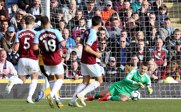 Burnley's Thomas Heaton gathers <br /> <br /> Photographer Rich Linley/CameraSport<br /> <br /> The Premier League - Burnley v Wolverhampton Wanderers - Saturday 30th March 2019 - Turf Moor - Burnley<br /> <br /> World Copyright © 2019 CameraSport. All rights reserved. 43 Linden Ave. Countesthorpe. Leicester. England. LE8 5PG - Tel: +44 (0) 116 277 4147 - admin@camerasport.com - www.camerasport.com