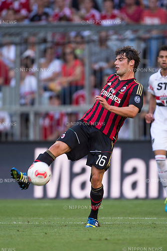 Andrea Poli (Milan), AUGUST 1, 2013 - Football / Soccer : Audi Cup 2013 match between AC Milan 1-0 Sao Paulo FC at Allianz Arena in Munich, Germany. (Photo by Maurizio Borsari/AFLO) [0855]