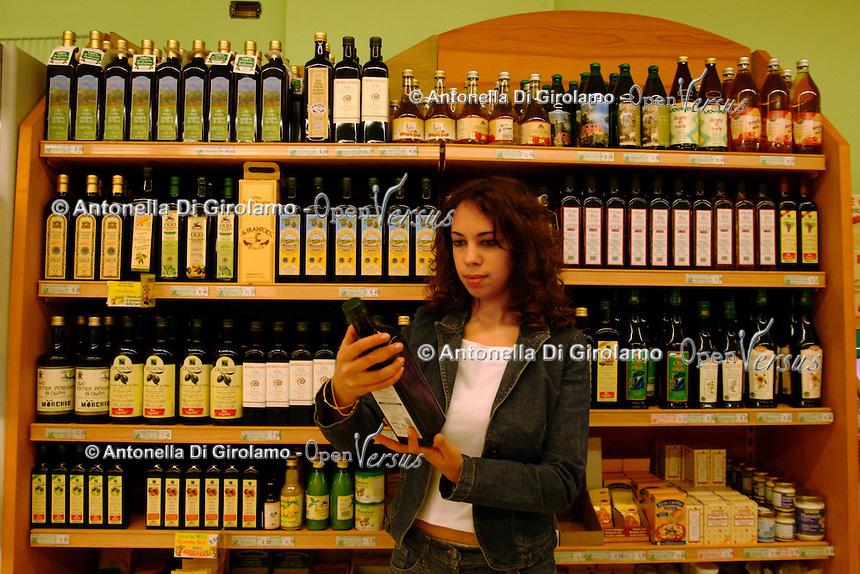 NaturaSì è una catena di supermercati specializzata nella vendita di prodotti alimentari biologici e naturali. NaturaSì is a supermarket chain specializing in the sale of organic food and natural....