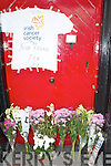 Tributes to late Bill Kirby left outside Kirby's Brogue Inn from friends on Saturday.   Copyright Kerry's Eye 2008