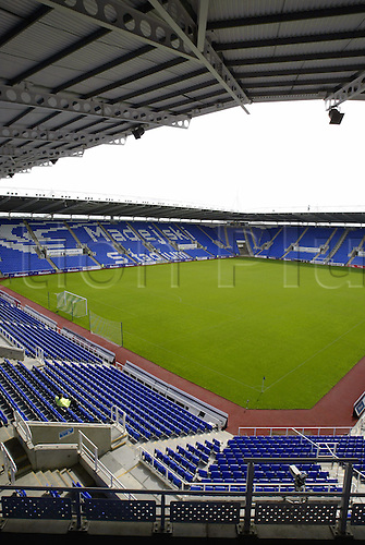 September 07, 2003: View of The MADEJSKI STADIUM before the friendly international between Jamaica and Australia at the Madejski Stadium, Reading, JAMAICA 1 v Australia 2 Photo: Neil Tingle/Action Plus...Soccer Football 030907 venue venues stadiums ground grounds