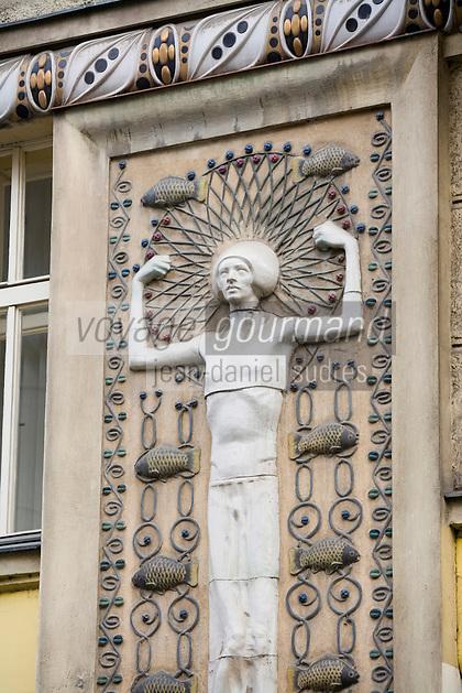 Europe/République Tchèque/Prague:Détail Art Nouveau sur une façade  de Kasprova