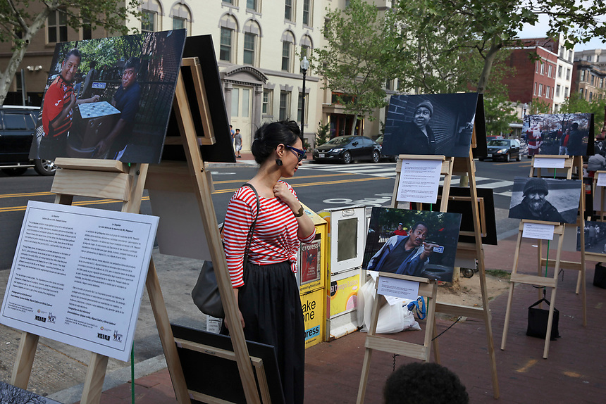 (180512RREI0162) La Esquina Project goes to La Esquina.  The documentary project La Esquina revolves around the history of the Latinos at the corner of Mt. Pleasant St. and Kenyon St. Washington DC. May 12, 2018 . ©  Rick Reinhard  2018     email   rick@rickreinhard.com