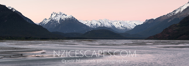 Dart River with Southern Alps at sunset, Mount Aspiring National Park, UNESCO World Heritage Area, Central Otago, New Zealand, NZ