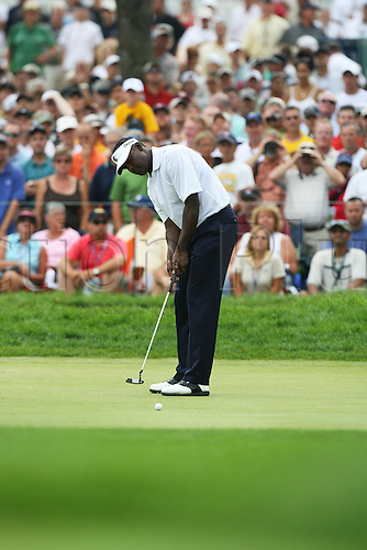 15 August 2009: Vijay Singh of Fiji hits a putt during the third round of the 91st PGA Championship at Hazeltine National Golf Club in Chaska, Minnesota.(Photo: Charles Baus/ActionPlus) UK Licenses Only