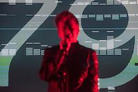 Anne Clark, Wegbereiterin der elektronischen Tanzmusik spielte am 26. Juni 2015 auf dem Fusion-Festival in Laerz/Mecklenburg-Vorpommern.<br /> 26.6.2015, Laerz/Mecklenburg-Vorpommern<br /> Copyright: Christian-Ditsch.de<br /> [Inhaltsveraendernde Manipulation des Fotos nur nach ausdruecklicher Genehmigung des Fotografen. Vereinbarungen ueber Abtretung von Persoenlichkeitsrechten/Model Release der abgebildeten Person/Personen liegen nicht vor. NO MODEL RELEASE! Nur fuer Redaktionelle Zwecke. Don't publish without copyright Christian-Ditsch.de, Veroeffentlichung nur mit Fotografennennung, sowie gegen Honorar, MwSt. und Beleg. Konto: I N G - D i B a, IBAN DE58500105175400192269, BIC INGDDEFFXXX, Kontakt: post@christian-ditsch.de<br /> Bei der Bearbeitung der Dateiinformationen darf die Urheberkennzeichnung in den EXIF- und  IPTC-Daten nicht entfernt werden, diese sind in digitalen Medien nach §95c UrhG rechtlich geschuetzt. Der Urhebervermerk wird gemaess §13 UrhG verlangt.]
