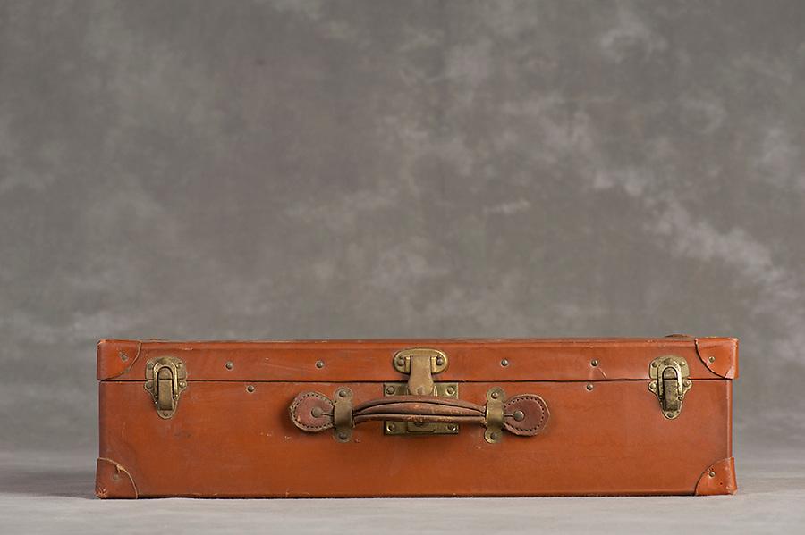 Willard Suitcases / Thomas C / ©2014 Jon Crispin