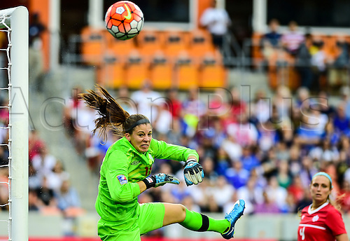 21 FEB 2016: Canada Goalkeeper Stephanie Labbe (18) makes a  save during the Women's Olympic qualifying soccer final between Canada and USA at BBVA Compass Stadium in Houston, Texas. (Photo by Ken Murray/Icon Sportswire)