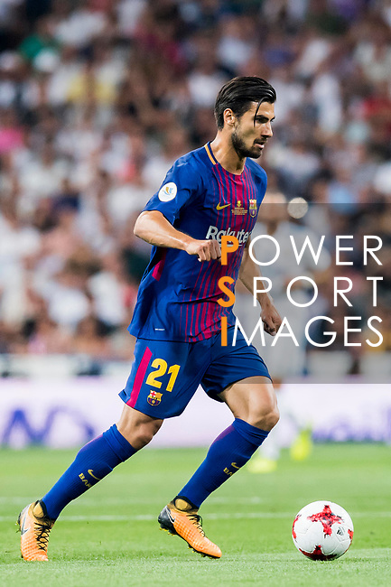 Andre Filipe Tavares Gomes (r) of FC Barcelona in action during their Supercopa de Espana Final 2nd Leg match between Real Madrid and FC Barcelona at the Estadio Santiago Bernabeu on 16 August 2017 in Madrid, Spain. Photo by Diego Gonzalez Souto / Power Sport Images