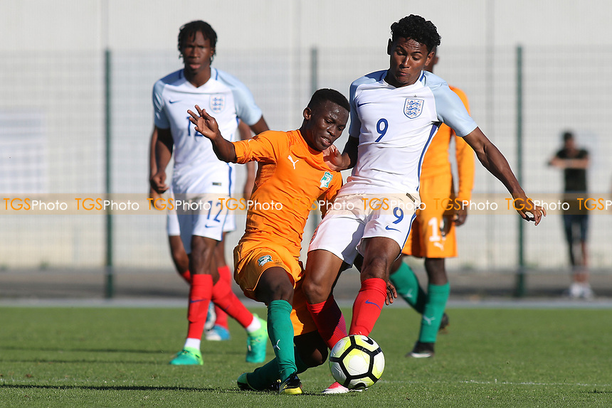 Demetri Mitchell of England challenges for the ball during England Under-18 vs Ivory Coast Under-20, Toulon Tournament Final Football at Stade de Lattre-de-Tassigny on 10th June 2017