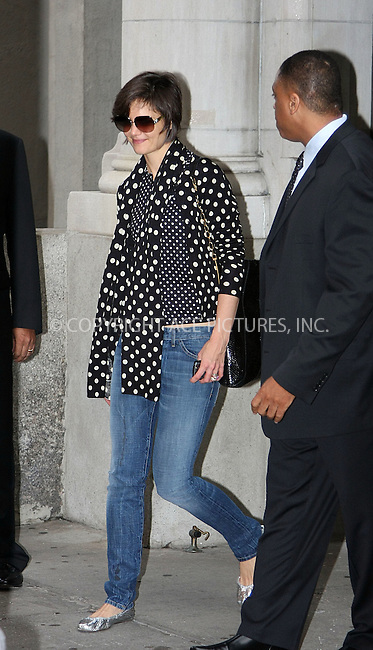 WWW.ACEPIXS.COM . . . . . ....October 16 2008, New York City....Actress Katie Holmes leaves her apartment on the way to the theatre on the opening night of 'All My Sons' at the Schoenfeld Theatre on October 16 2008 in New York City....Please byline: STAN ROSE - ACEPIXS.COM.. . . . . . ..Ace Pictures, Inc:  ..(646) 769 0430..e-mail: info@acepixs.com..web: http://www.acepixs.com