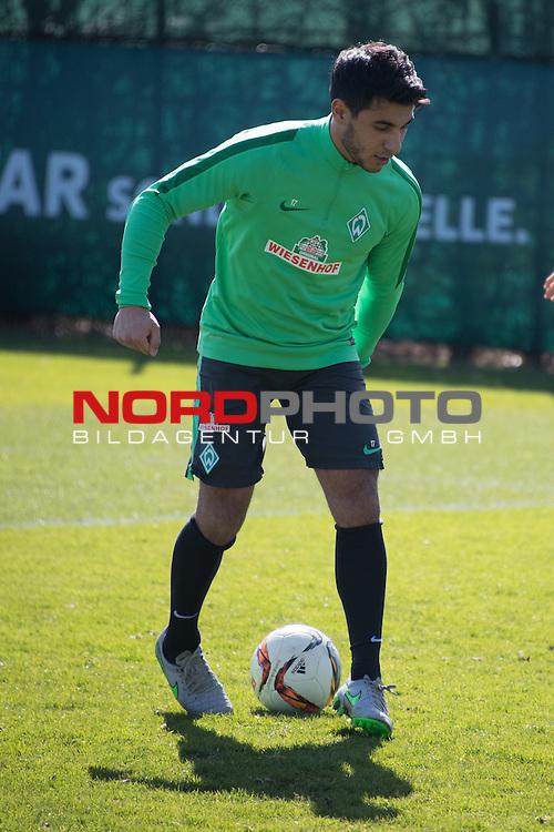 01.04.2016, Trainingsgelaende, Bremen, GER, 1.FBL, Training Werder Bremen<br /> <br /> im Bild<br /> &Ouml;zkan / Oezkan Yildirim (Bremen #17), <br /> <br /> Foto &copy; nordphoto / Ewert