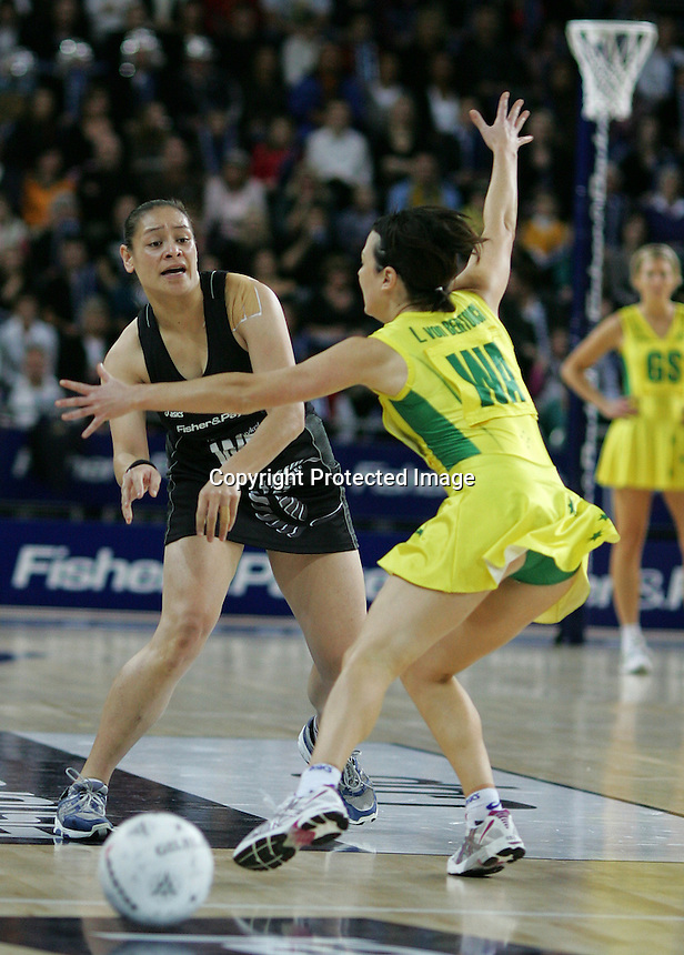 18.07.2007 Silver Ferns Sheryl Scanlan in action during the Silver Ferns v Australia Fisher and Paykel Netball Test Match at Vector Arena, Auckland. Mandatory Photo Credit ©Michael Bradley.
