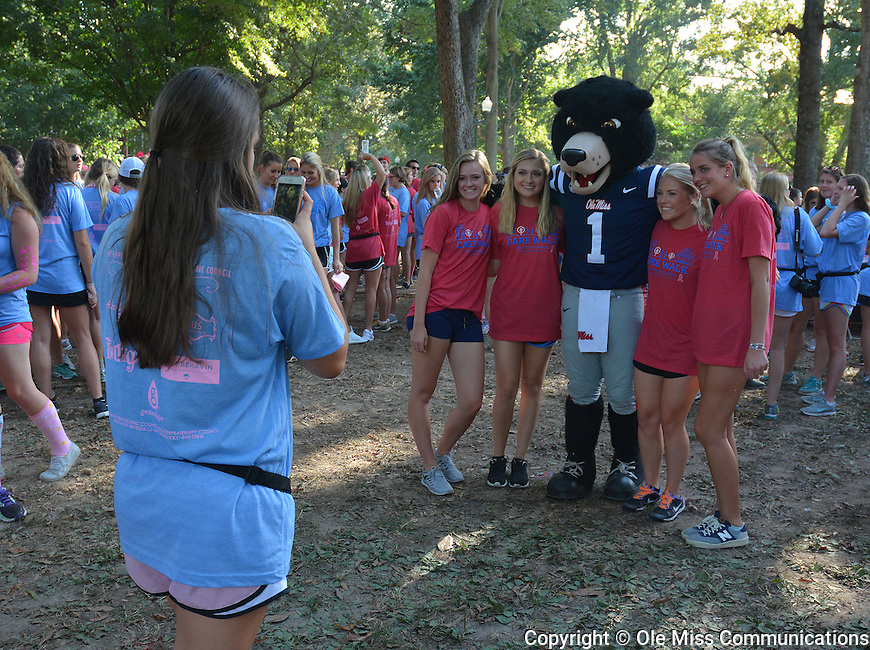 CARE Walk 2016. Photo by Marlee Crawford/Ole Miss Communications