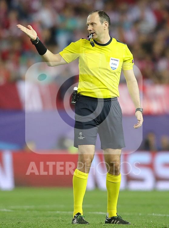 Sweden referee Jonas Eriksson during Champions League 2016/2017 Quarter-finals 1st leg match. April 12,2017. (ALTERPHOTOS/Acero)