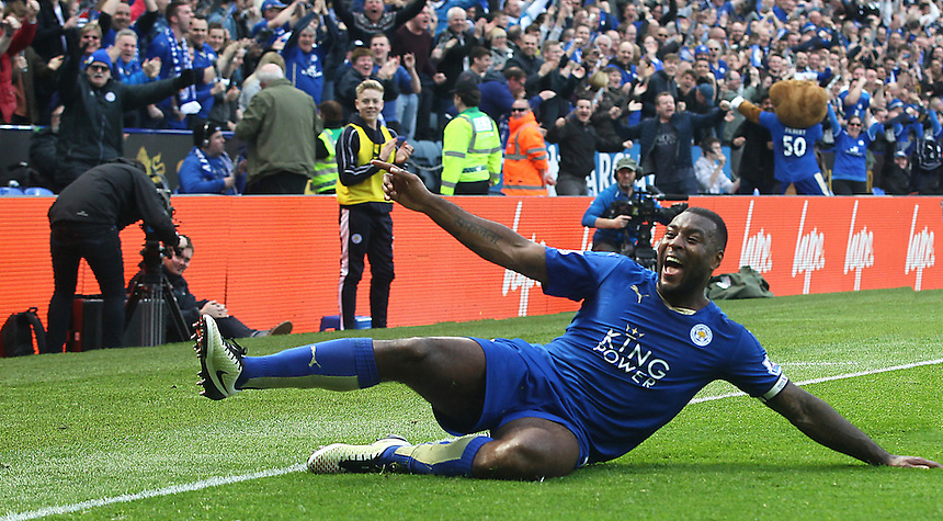 Leicester City's Wes Morgan celebrates scoring the opening goal <br /> <br /> Photographer Stephen White/CameraSport<br /> <br /> Football - Barclays Premiership - Leicester City v Southampton - Sunday 3rd April 2016 - King Power Stadium - Leicester<br /> <br /> &copy; CameraSport - 43 Linden Ave. Countesthorpe. Leicester. England. LE8 5PG - Tel: +44 (0) 116 277 4147 - admin@camerasport.com - www.camerasport.com
