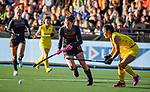 UTRECHT - Lidewij Welten (Ned) tijdens   de Pro League hockeywedstrijd wedstrijd  met Cui Qiuxia (China) , Nederland-China (6-0) .  COPYRIGHT  KOEN SUYK