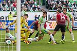 09.09.2017, Volkswagen Arena, Wolfsburg, GER, 1.FBL, VfL Wolfsburg vs Hannover 96<br /> <br /> im Bild<br /> Martin Harnik (Hannover 96 #14) trifft per Hacke zum 1:1 Ausgleich gegen Koen Casteels (VfL Wolfsburg #1), <br /> <br /> Foto &copy; nordphoto / Ewert