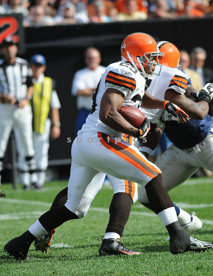 JASON WRIGHT, of the Cleveland Browns , in action during the Browns game against the Dallas Cowboys in Cleveland, Ohio on September 7, 2008..The Dallas Cowboys won 28-10